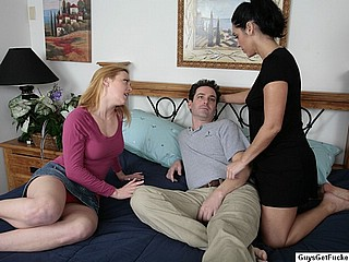 Veronica�s Perfect Lesson! Strapon Domination Vide...